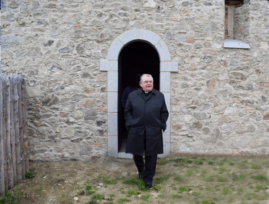 Návštěva arcibiskupa kardinála Duky (5)